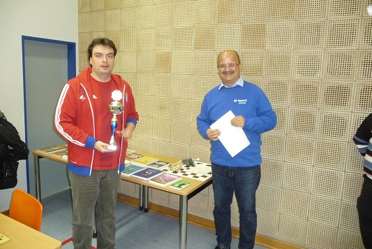 Platz 3: IM Alexander Belezky (links)